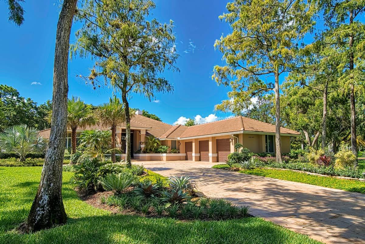 Tropical Landscape Home Design